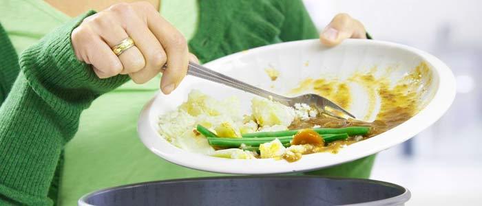 ¿Tiras comida? Consejos para no desperdiciar alimentos en casa